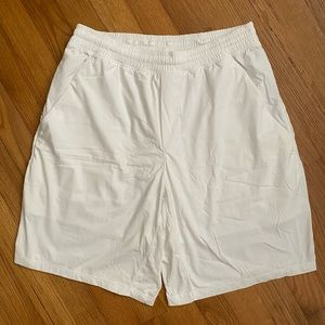 Lululemon lined Pace Breaker shorts Medium